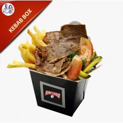 Kebab Box med pommes frites, salat og dressing