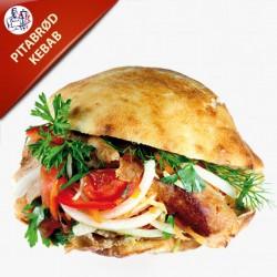 Pitabrød med kebab, salat og dressing